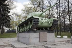Танк КВ-85 на проспекте Стачек