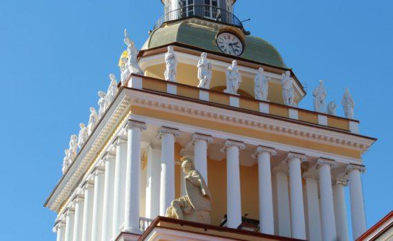 Центральная башня Адмиралтейства после реставрации 2013 г. Фото: Н.П.Лобанова.