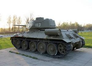 Танки «Т-34-85» мемориала «Пулковский Рубеж»